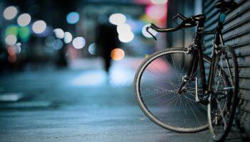 Noa Khamallah parle des bienfaits du vélo électrique sur la santé